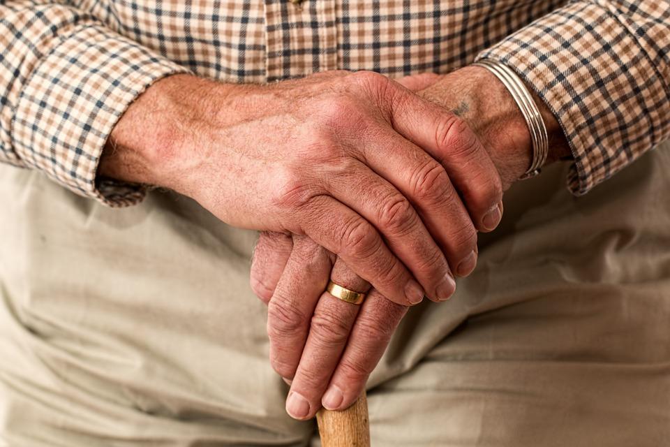 Que faire de sa maison lors d'un départ en maison de retraite ?