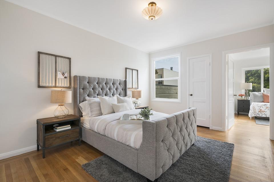 Que faut-il payer quand on loue un appartement ?
