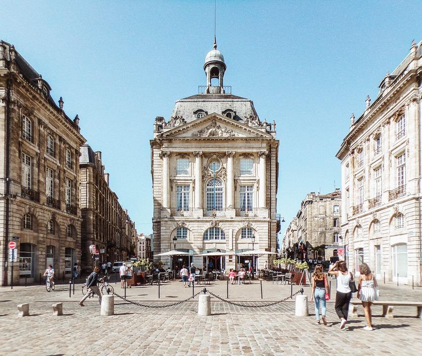 Comment choisir la bonne agence immobilière à Bordeaux ?