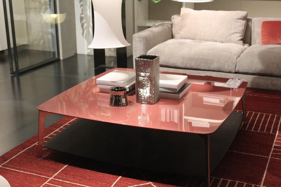 Où trouver une table basse design avec plateau rehaussable à Paris ?